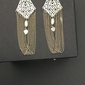 Jewelry - VTG sterling earrings w pearl bead & tiny hearts